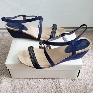 Sz 11 Brand New Anne Klein Navy Wedge Sandals